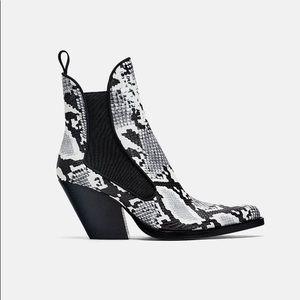 NWOT Zara snakeskin cowboy boots blogger fav